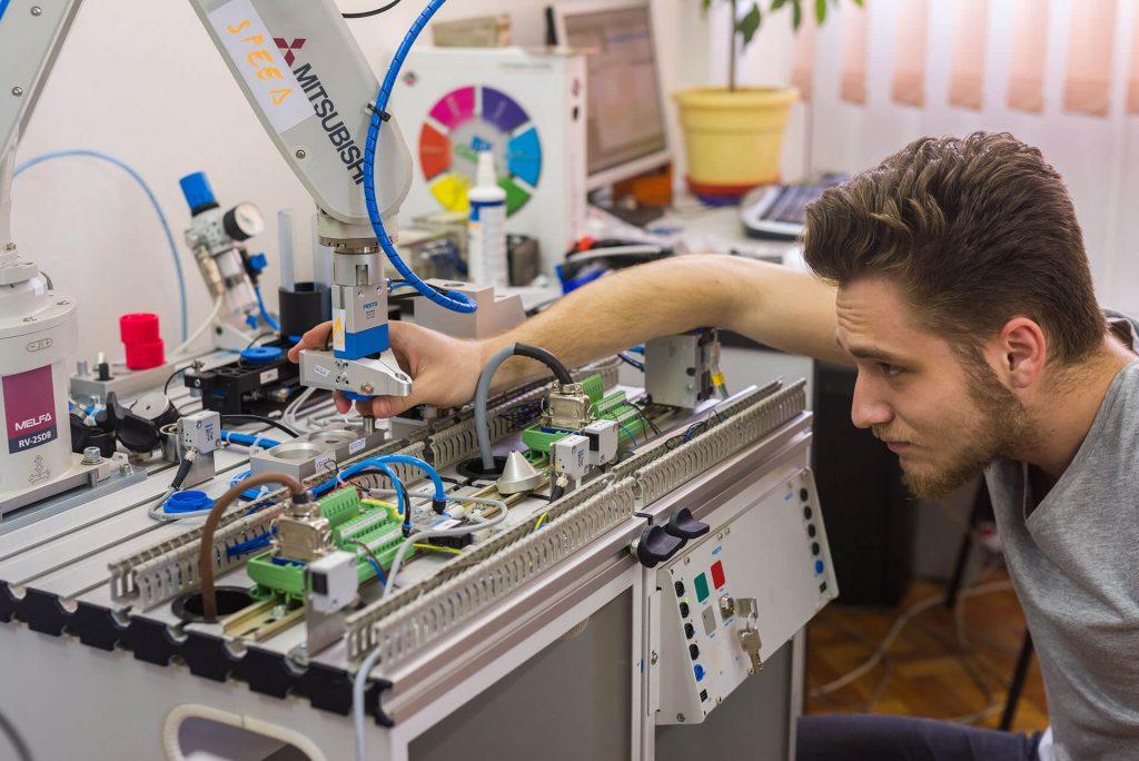 Inginerie mecanică/mecatronică