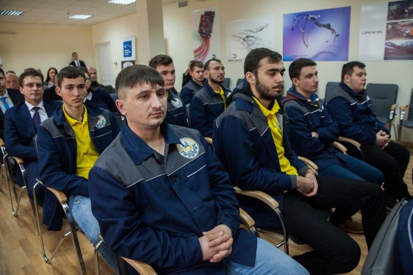 Locuri de muncă garantate. Absolvenţii colegiului de inginerie vor activa la fabricile de cablaje din orașul Strășeni