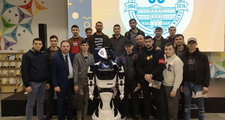"""Elevii Colegiului de Inginerie din Strășeni au vizitat expoziția """"CREAŢIA DESCHIDE UNIVERSUL-2019"""""""